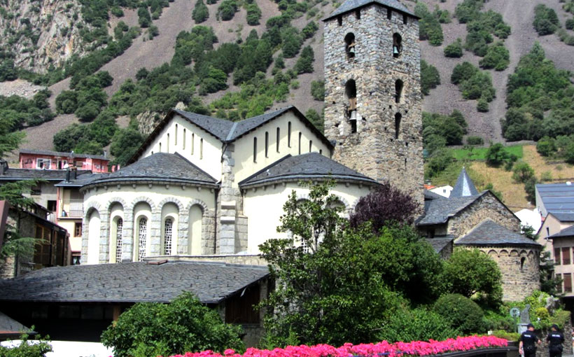 iglesia-de-sant-esteve-andorra-la-vella-fachada-2